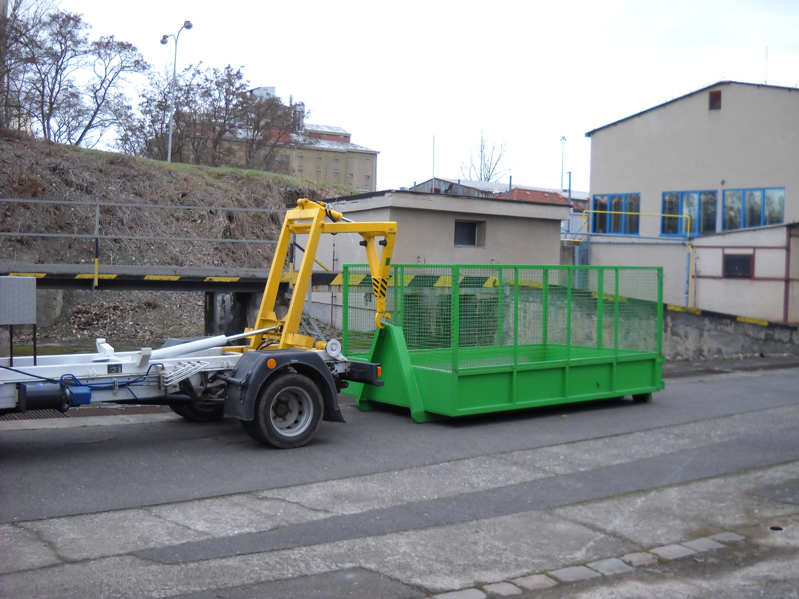 Přistavení velkoobjemového kontejneru